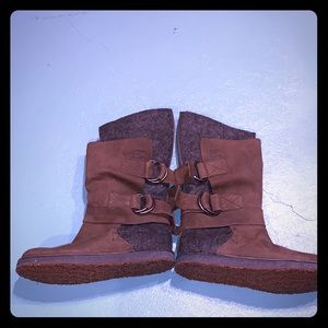 Women's Chipahko felt boot size 8